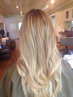 Subtle ombré #ombre #subtle #balayagehairsubtle #Ombre #Subtle Ombre Hair Color For Brunettes balayagehairsubtle ombre subtle