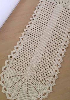 O mesmo modelo do anterior, só que com a cor diferente Crochet Doily Rug, Crochet Cushion Cover, Crochet Placemats, Crochet Bikini Pattern, Crochet Table Runner, Crochet Cushions, Filet Crochet, Diy Crafts Crochet, Crochet Home