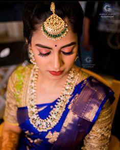 Cotton Saree Blouse Designs, Saree Blouse Patterns, Half Saree Function, South Indian Bride Saree, Saree Jewellery, Gold Jewellery, Jewelry, Saree Hairstyles, Wedding Saree Collection