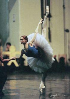 Svetlana Zakharova in Rio de Janeiro touring with the Mariinsky, 2001 Photo: Mário Veloso