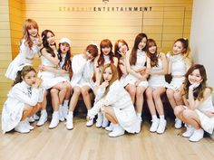 Find images and videos about kpop, wjsn and cosmic girls on We Heart It - the app to get lost in what you love. Kpop Girl Groups, Korean Girl Groups, Kpop Girls, Yuehua Entertainment, Starship Entertainment, I Love Girls, Cute Girls, Lee Jin, Teen Friends