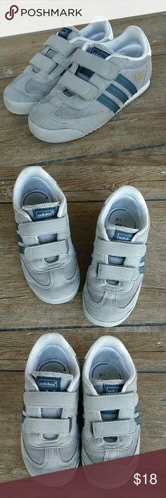 👟ADIDAS TODDLER GRAY SAMOA👟 Gray nubuck and mesh Samoa Has navy stripes Double Velcro straps No rips or stains  Smoke free home  This are worn, if more pics are needed let me know. Adidas Shoes Sneakers