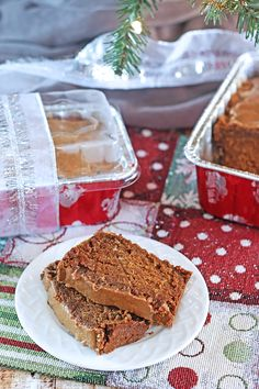 Pumpkin Gingerbread Loaf with Maple Peanut Butter Glaze. This gluten-free and vegan gingerbread loaf is dense and only slightly sweet but quite tasty. Unique Desserts, Healthy Desserts, Easy Desserts, Delicious Desserts, Muffin Recipes, Cookie Recipes, Dessert Recipes, Bread Recipes, Vegan Recipes