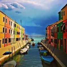 The colorful Burano island in #Venice  www.fleetinglife.com