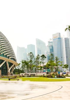 10 reasons why Singapore is the expat bay of Asia. What is so special and great about being a Singapore expat? Why do people chose to move to Singapore. Singapore Photos, Singapore Travel, Travel Pictures, Travel Photos, Cool Pictures, Travel Around The World, Around The Worlds, Asia Travel, Wanderlust Travel