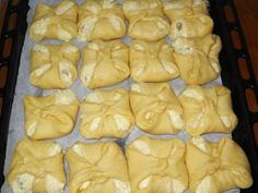 Romanian Food, Romanian Recipes, Good Food, Yummy Food, Pastry And Bakery, Diy Food, Chicken Recipes, Food And Drink, Cooking Recipes