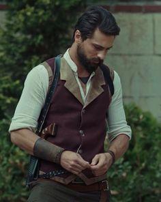 Turkish actor Onur Tuna Character: Filinta Mustafa