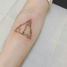 Dream Tattoos, Time Tattoos, Future Tattoos, Body Art Tattoos, Small Tattoos, Cool Tattoos, Ankle Tattoos, Hp Tattoo, Piercing Tattoo