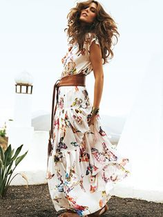 Floral dress with wide leather belt | burda style 05/2012 Photo credit: Nicole Neumann