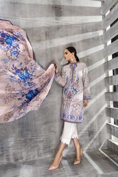 Gul Ahmed Cambric Collection 2018 Gul Ahmed introduces the Cambric Collection 2018 and searching forward to Pre-booking of this beautiful garments. New Designer Dresses, Kurta Neck Design, Couture Details, Traditional Outfits, New Trends, Dress For You, Stylish, Fall, How To Wear
