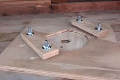 Table Router (Plunge Router Mount) : 5 Steps (with Pictures) - Instructables Plunge Router, Router Tool, A Table, Woodworking Projects, Wood Working, Jordans, Pictures, Work Shop Garage, Photos