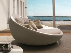 Download the catalogue and request prices of round sofa Lacoon island, design Jai Jalan to manufacturer Désirée