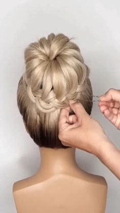 Protective Styles For Natural Hair Short, Medium Hair Styles, Natural Hair Styles, Long Hair Styles, Heatless Hairstyles, Bun Hairstyles For Long Hair, Braided Hairstyles, Hair Style Vedio, Braided Chignon