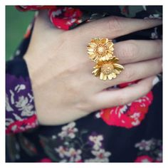 Thallo daisy ring! http://thallo.com/thallo/index.php?route=product/product&path=20000_20100&product_id=310310372&pag=1