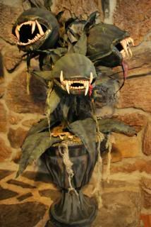 halloween giant man eating plant asphodelus thanatos instructions here paper mache over