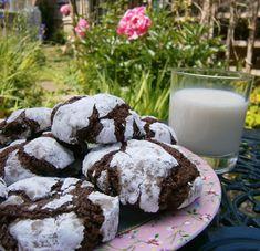 Marie's Bakehouse: How to make chocolate brownie cookies Chocolate Brownie Cookies, Chocolate Crinkles, Garam Masala, Betty Crocker, Fudge, Oreo, Cake Business, Baking With Kids, Cookie Gifts