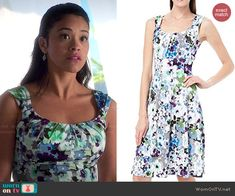 Jane's floral dress on Jane the Virgin.  Outfit Details: http://wornontv.net/46897/ #JanetheVirgin