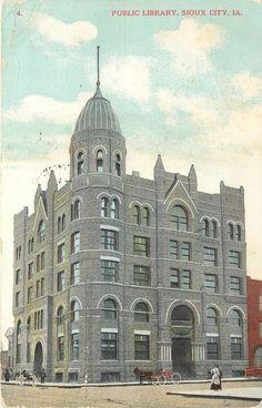 Vintage Postcard; Public Library, Sioux City IA, Horsedrawn Wagons, Klein & Co.