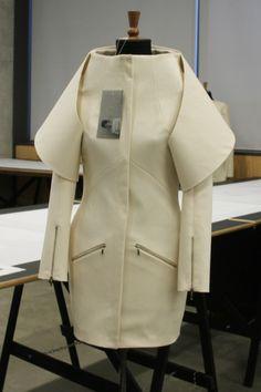 1granary_1granary.com_central_saint_martins_csm_fashion_innovative_pattern_cutting_1032