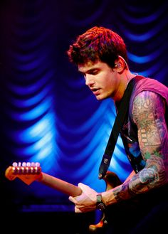 shut up and embrace his swag. John Mayer, Music Guitar, Playing Guitar, Art Music, Look At You, How To Look Better, Happy 35th Birthday, Reasons To Get Married, John Clayton