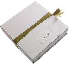 Handmade promotional box / Progress Packaging