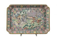 Chinese tray in enamelled metal depicting a battle, C19th