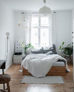 Bett - schön - schlicht - perfekt
