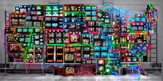 Nam June Paik, Electronic Superhighway: Continental U., Alaska, Hawaii, Photo: Courtesy of the Smithsonian American Art Museum. Reggio Emilia, Small World, Electronics Projects, Nam June Paik, Creators Project, Video Installation, Street Installation, Fluxus, Rose Tyler