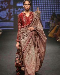 Saree Blouse Patterns, Saree Blouse Designs, Sari Blouse, Indian Attire, Indian Ethnic Wear, Indian Dresses, Indian Outfits, Saris Indios, Outfits