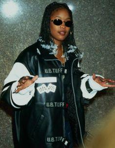 Da Brat Da Brat,Ausdrucken Related posts:Chaussure Top Ten Hi adidas - hip hop styleDeco Crew - M - hip hop styleHello there - hip hop style- hip hop Fashion Style Guide Fashion 90s, Tokyo Street Fashion, Hip Hop Fashion, Fall Fashion Outfits, Mode Outfits, Grunge Outfits, Queer Fashion, Tomboy Outfits, 90s Hip Hop Outfits