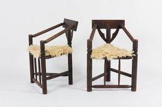 Chaises Munk en chene design suedois set de 2 Disponibles sur https://www.galerie44.com/collection/assises/chaises-munk-en-chene-design-suedois-set-de-2-details