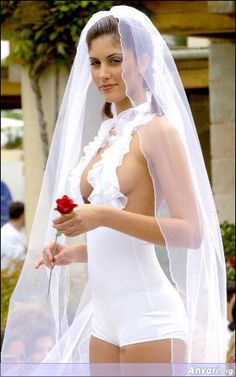 Sexy Wedding Dresses Tips and Ideas-Get fantastic fashion ideas and the latest styles for wedding dresses.Select any shade for your sexy wedding Weird Wedding Dress, Tips For Wedding Dress Shopping, Unusual Wedding Dresses, Yellow Wedding Dress, Wedding Dress Pictures, Wedding Dress Styles, Wedding Pics, Wedding Night, Ugliest Wedding Dress