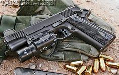 Colt 1911 Tático