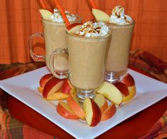 Want to enjoy all of the joy of the midway from home? Made by a registered dietitian fromThe Academy of Nutrition and Dietetics Food & Culinary Professionals Sectionthis Midway Caramel Apple Smoothie can be made in a jiffy and is sure to impress!