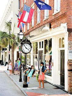 For the author's family, a visit to Charleston, South Carolina, brings history -- and appetites -- to life.