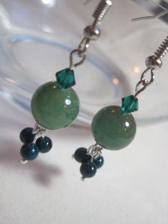 Green jade earrings. Beaded Swarovski crystal by ArtsParadis