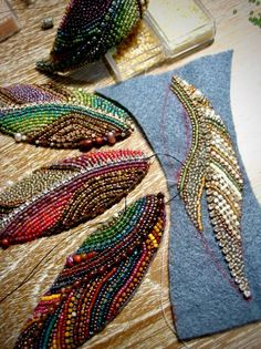 Best 11 Feather brooches by Evgenia Vasileva. Bead embroidered and fringed – Japanese seed beads, firepolished crystals, nmetal findings. – Page 501307002269943634 – SkillOfKing – SkillOfKing. Bead Embroidery Tutorial, Bead Embroidery Patterns, Bead Embroidery Jewelry, Beaded Jewelry Patterns, Hand Embroidery Designs, Beaded Embroidery, Beading Patterns, Embroidery Stitches, Bracelet Patterns