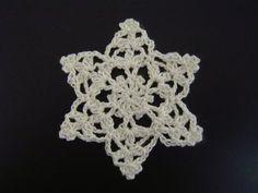 雪の結晶のモチーフ(ドイリー・編み図付き) : Crochet a little