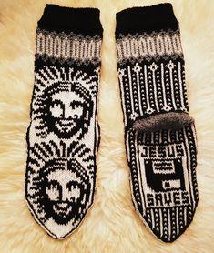 Knit Or Crochet, Gloves, Socks, Knitting, Winter, Shirts, Fashion, Winter Time, Moda