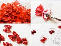 DIY | Новогодний декор своими руками: гирлянда из макарон | IVOREE