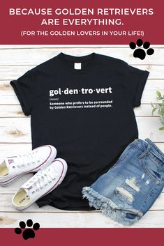 Are you a Goldentrovert? Do you love Golden Retrievers? Then this T-shirt is perfect for you! Great gift idea for Golden Retriever lovers and Golden Retriever Moms, Dads & Siblings