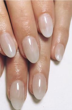 Lily-Rose Depp took springtime chic to a whole new level with her simple almond-shaped light pink manicure. This nail look is about to be everywhere so you should book that salon appointment ASAP. wtf it does not look like a latte but ok Pink French Manicure, Pink Manicure, French Nails, French Manicures, Manicure Ideas, Pink Clear Nails, Pink Oval Nails, Oval Nail Art, Nail Ideas