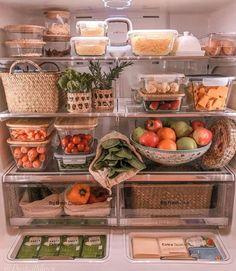 𝘍𝘳𝘪𝘥𝘨𝘦 𝘖𝘳𝘨𝘢𝘯𝘪𝘻𝘢𝘵𝘪𝘰𝘯 - ——————————————————————————— Next week is grocery week and . Refrigerator Organization, Kitchen Organization Pantry, Home Organisation, Organized Fridge, College Organization, Kitchen Dining, Kitchen Decor, Healthy Fridge, The Home Edit