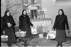 Húsvétvasárnap a feltámadt Krisztus ünnepe. Legismertebb szokás e napon a húsvéti ételszentelés. Az asszonyok szép terítővel letakart kosarakban vitték, sok helyen ma is viszik, a templomba a sonkát, kalácsot, tormát, sót, tojást. Az ételeket a pap megáldja, s otthon a megszentelt ételeket a család közösen fogyasztja el Pap