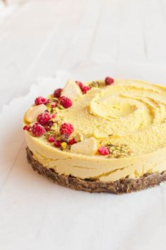 Raw vegan lemon cheesecake raw cake healthy recipe sugar-free - a href=&quo Raw Vegan Cake, Raw Vegan Desserts, Raw Cake, Lemon Desserts, Vegan Dessert Recipes, Raw Food Recipes, Raw Vegan Cheesecake, Vegan Raw, Vegan Food