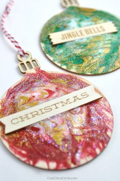 Easy Glittery Toothpick Painted Holiday Ornaments | Club Chica Circle - where crafty is contagious