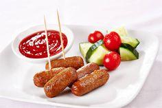 Estas botanas con salchichas encantarán a todos tu invitados, hay opciones picantes, agridulces y hasta fritas.