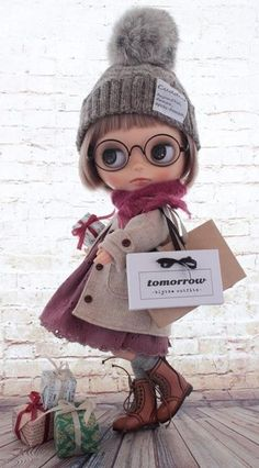 Winter outfit for Blythe – BuzzTMZ Blythe Dolls For Sale, Ooak Dolls, Pretty Dolls, Beautiful Dolls, Kawaii Doll, Little Doll, Custom Dolls, Ball Jointed Dolls, Doll Face