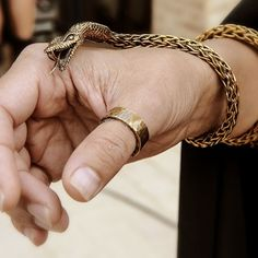 Jewelry appreciation - 40 Original Men's Gold Bracelet Designs – Jewelry appreciation Bracelets Design, Mens Gold Bracelets, Ankle Bracelets, Jewelry Bracelets, Bangles, Necklaces, Costume Meduse, Toni Mahfud, The Bling Ring