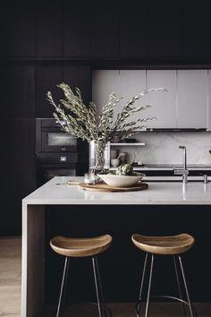 A full service Interior Design Firm based in Greenwich. Apartment Kitchen, Kitchen Interior, Kitchen Decor, Kitchen Design, Kitchen Ideas, Soho Loft, Minimal Decor, Modern Decor, Beautiful Kitchens